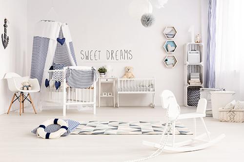 Chambre de bébé avec un stciker citation mignonne Sweet Dreams