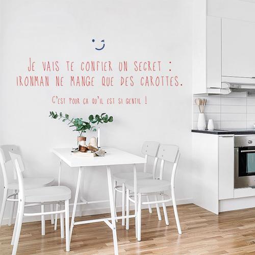 Citation super héros pour enfant Ironman collé dans une pièce moderne avec cuisine intégré