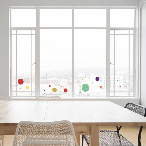 Stickers ronds carrés multicolore sur baie vitrée