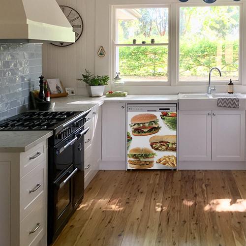 Sticker autocollant fast food pour déco lave vaisselle dans une cuisine moderne
