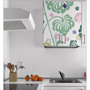 Sticker à fleurs pour placards dans cuisine au dessus d'un évier