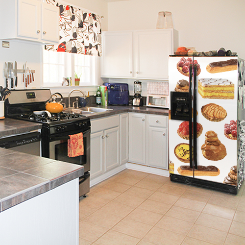 Sticker frigo américain patisseries dans une cuisine classique avec plan de travail en pierre