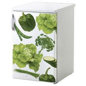 Sticker autocollant Legumes Potager posé sur un petit frigo blanc