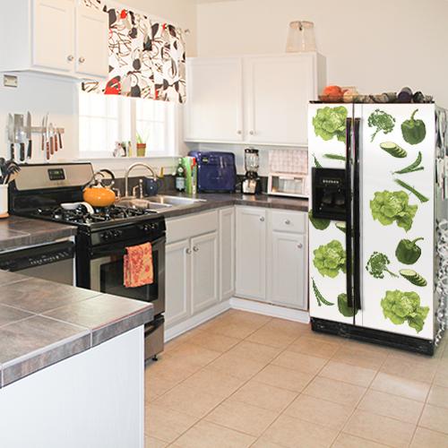 Sticker autocollant Légumes Potager posé sur un frigo américain