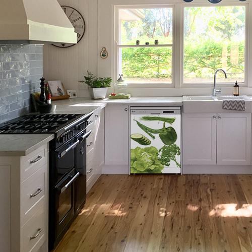 Sticker adhésif Légumes du potager sur un lave-vaisselle dans une cuisine ancienne