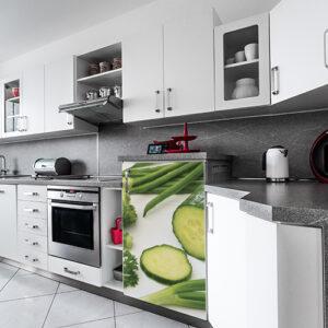 Adhésif décoration cuisine blanche moderne légumes verts pour frigo avec concombre, persil, haricots
