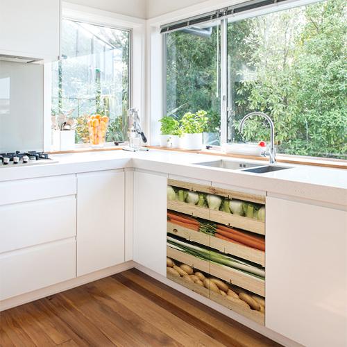 Adhésif décoration placard de cuisine blanche caisses de légumes