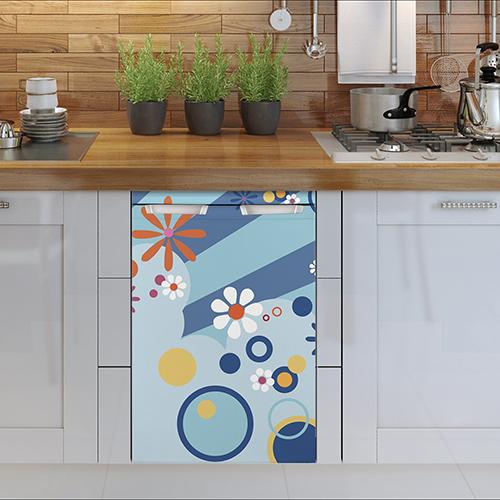 Modèle autocollant flashy bleu pour petit frigo collé sur un lave vaisselle