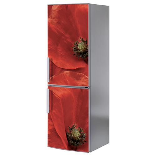 Grand frigo standard orné d'un autocollant adhésif rouge modèle coquelicot