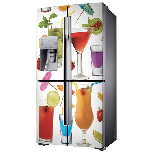 Sticker autocollant cocktail décoratif collé sur un authentique frigo américain