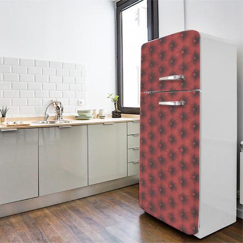 Sticker décoratif adhésif imitation capiton rouge collé sur un grand frigo classique