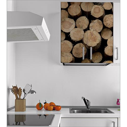 Placard mural blanc orné de buches de bois autocollantes