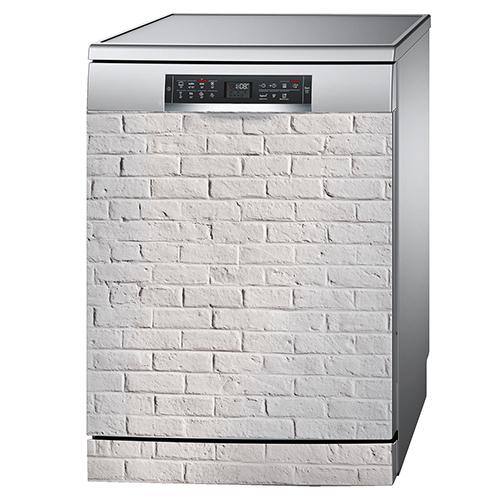 Lave vaisselle standard avec un sticker autocollant décoratif imitation briques blanches