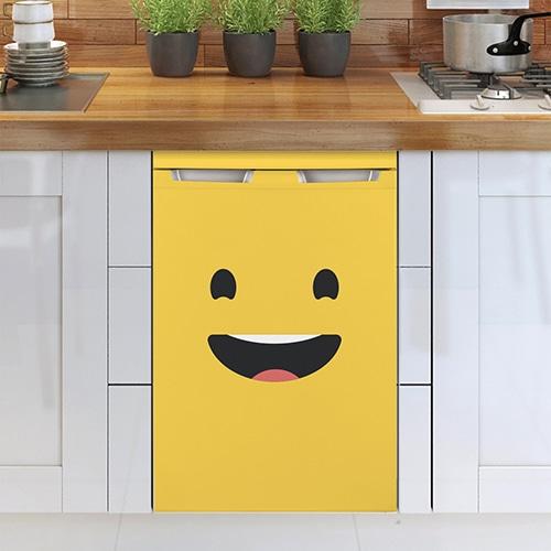 Sticker déco Smiley Grand Sourire Jaune mis sur un lave vaisselle