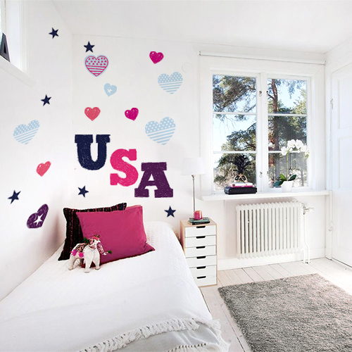 "Agencement stickers muraux ""American Love"" dans chambre d'ado"