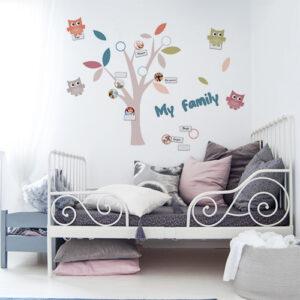"""Stickers """"Arbre Family"""" dans chambre d'enfant"""