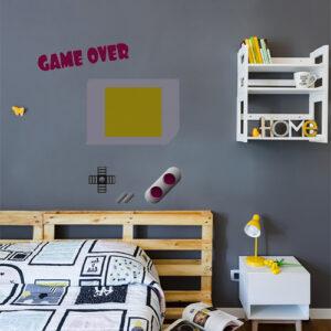 """Exemple d'agencement des stickers """"game over"""" dans chambre d'enfant"""