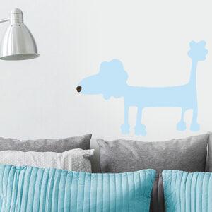 Sticker mural dog bleu dans un espace détente