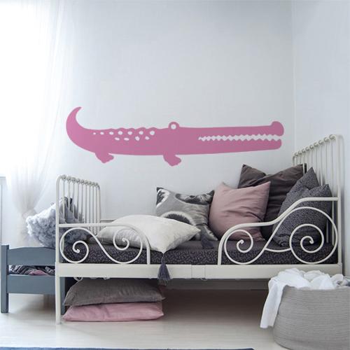 Autocollant pour chambre de petite fille rose crocodile pour mur blanc moderne