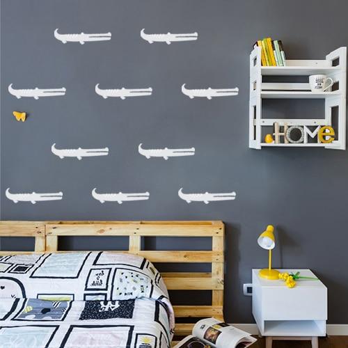 personnalisez le mur de la chambre d'enfant avec un sticker crocodile blanc