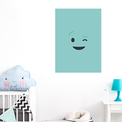 sticker smiley clin d'oeil au mur d'un coin enfant