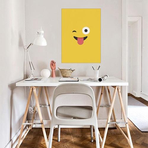 Décoration chambre d'ado - poster émoji jaune qui tire la langue
