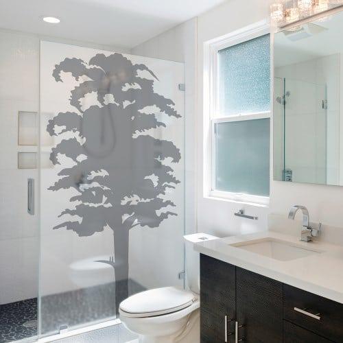 Sticker arbre pour personnaliser la douche de salle de bain.