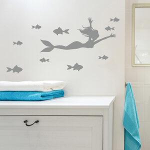 Sticker sirène poisson gris sur murs de salle de bain