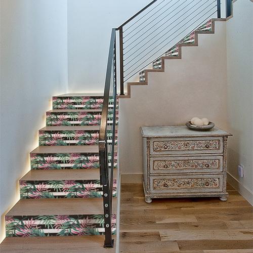 Stickers fougères bi colores collés sur des contremarches d'escalier standards