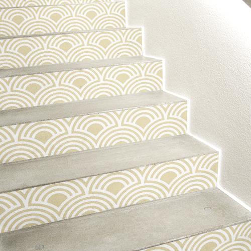 Sticker adhésif écailles beiges pour contremarches d'escaliers