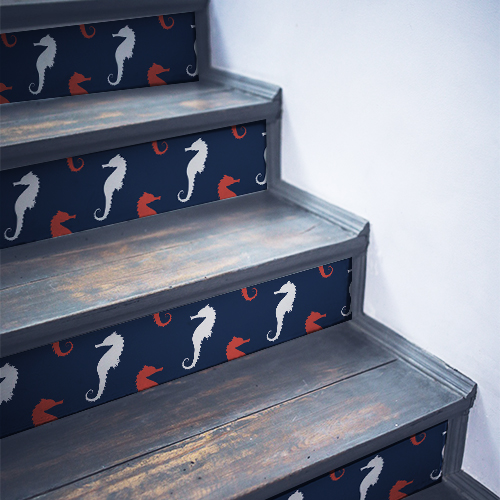 Stickers autocollants décoratifs mosaïque d'hippocampes collés sur un escalier noir traditionnel