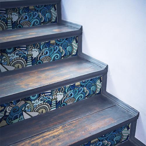 Contremarches en bois noir décorées avec des stickers ras de marrée bleu