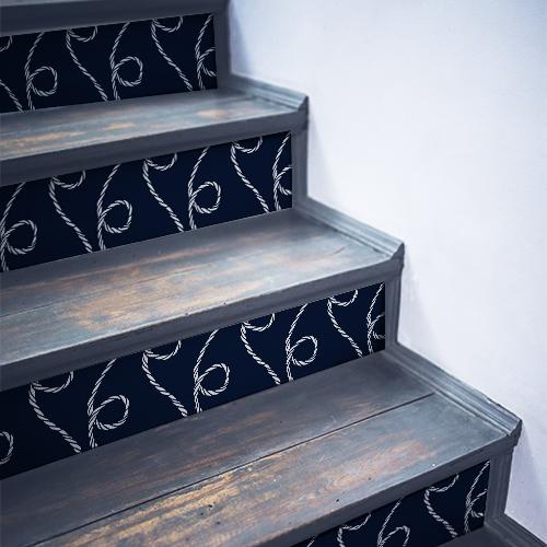 Sticker déco corde blanche sur fond bleu pour contremarches d'escaliers