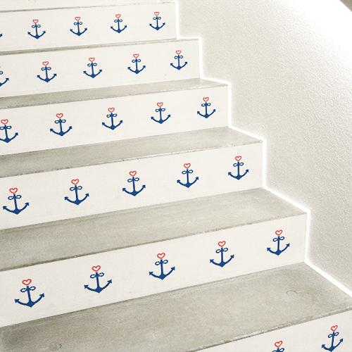 Stickers autocollants mosaïque d'ancres et de coeurs collés sur des escaliers en béton