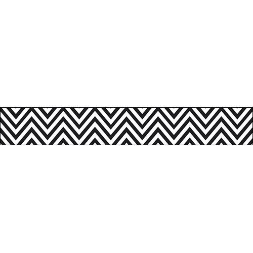 Sticker contremarches adhésive pour escaliers chevrons noir et blanc.