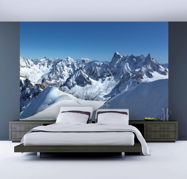 panoramique géant en trois bandes de papier intissé pour tête de lit dans une chambre moderne aux couleurs gris et bleu