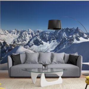 panoramique géant en trois bandes de papier intissé représentant la montagne et les neiges éternelles dans un salon moderne
