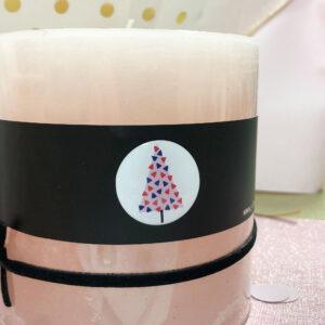 Sapin sticker adhésif 3D sur bougie beige