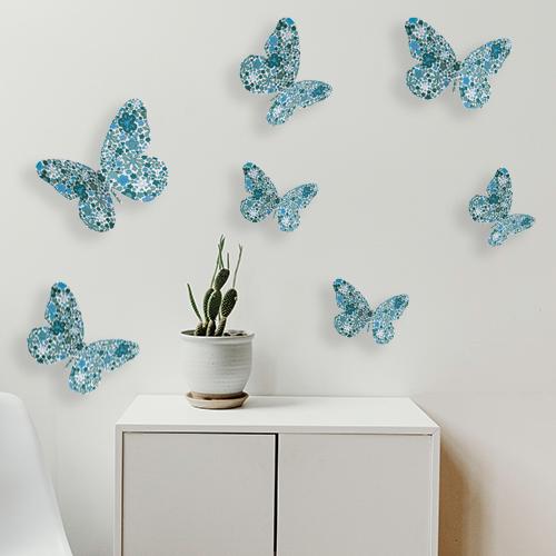Sticker autocollant 3D Papillons bleus collés sur un mur dans une pièce à vivre