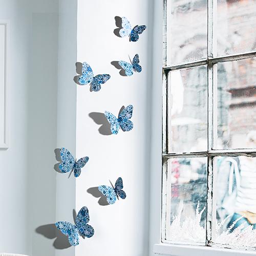 fenêtre avec papillons liberty bleu