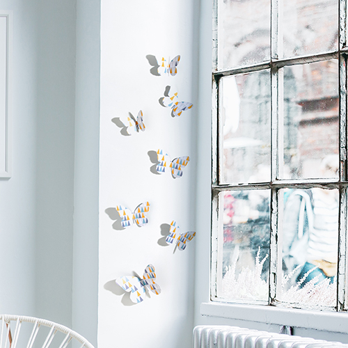 papillons relief à coller triangles jaunes bleu blanc