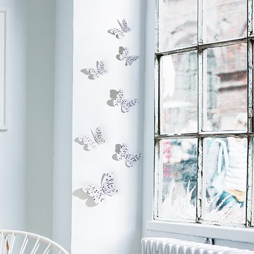 papillons pvc 3D notes de musique à côté d'une fenêtre