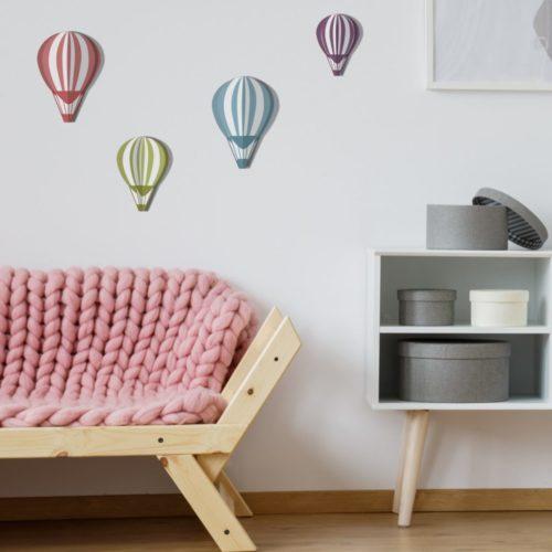 Sticker adhésif de couleurs 3D montgolfières pour déco de mur blanc de salon