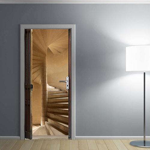 Notre sticker Escalier à vis pour porte avec une lampe