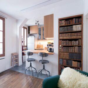 Sticker décoratif bibliothèque de Livres Anciens dans un appartement