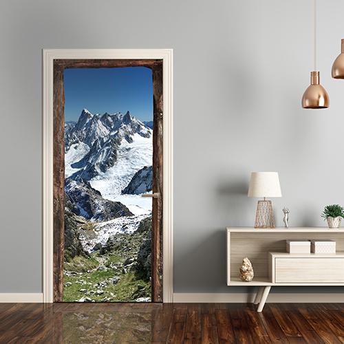 Sticker pour porte entouré de vieux bois avec vue sur la montagne et un chemin rocailleux