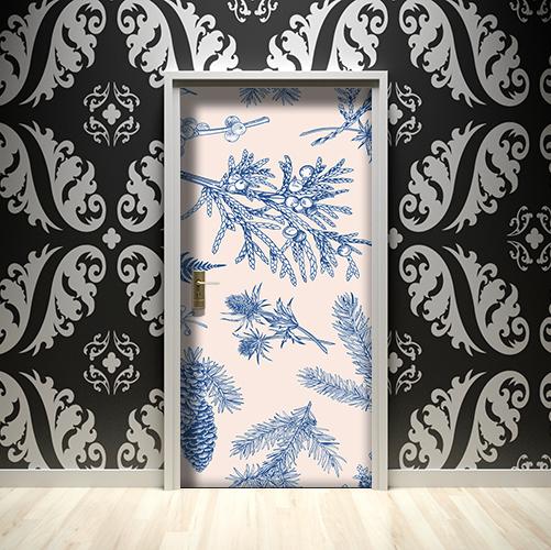 Mur de maison richement décoré avec des stickers autocollants plantes bleues collés sur les portes