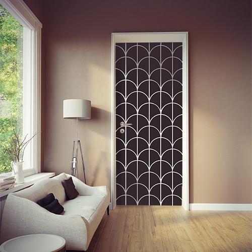 Pièce à vivre moderne décorée avec un sticker autocollant écailles noires