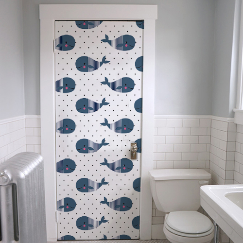 Sticker adhésif pour enfant baleine kawai collé sur la porte des WC ou d'une salle de bain