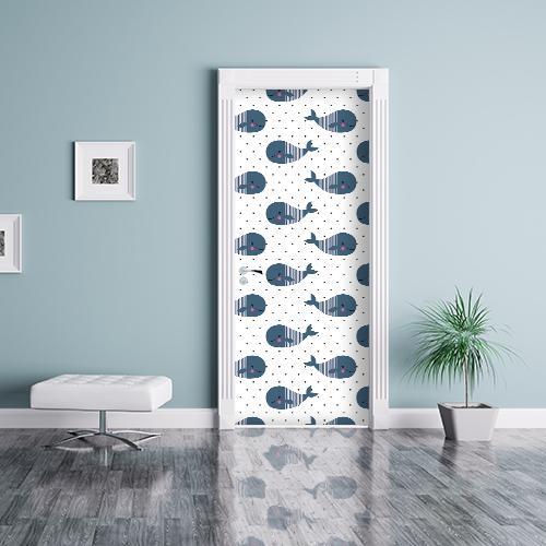 Mur bleu avec une porte baleine kawai collé sur la porte en son centre de salle d'attente ou d'entrée de maison